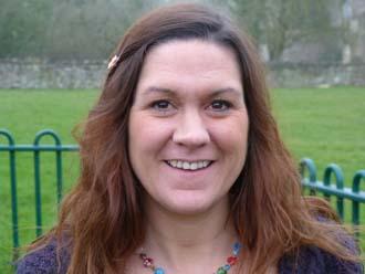 Mrs Lindsey Reeves